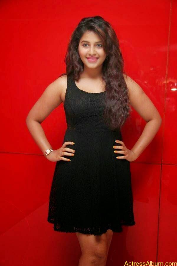 Anjali latest hot stills (4)