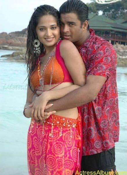 Anushka Shetty Hot Kisses & Sexy Cleavages 012