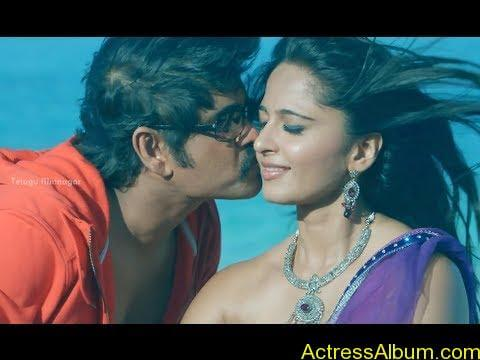 Anushka Shetty Hot Kisses & Sexy Cleavages 09