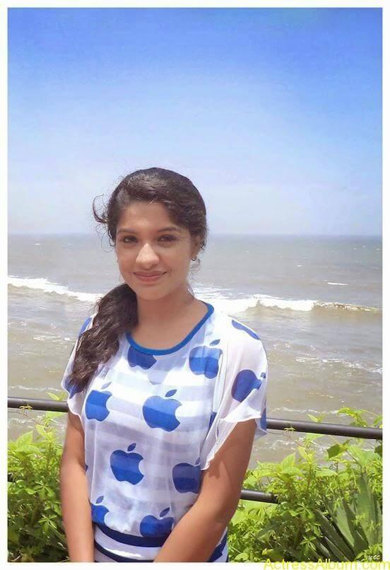 Archana Kavi Hot Unseen Pics 11