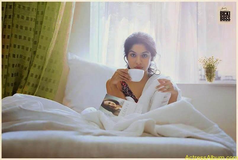 Archana Kavi Hot Unseen Pics 13