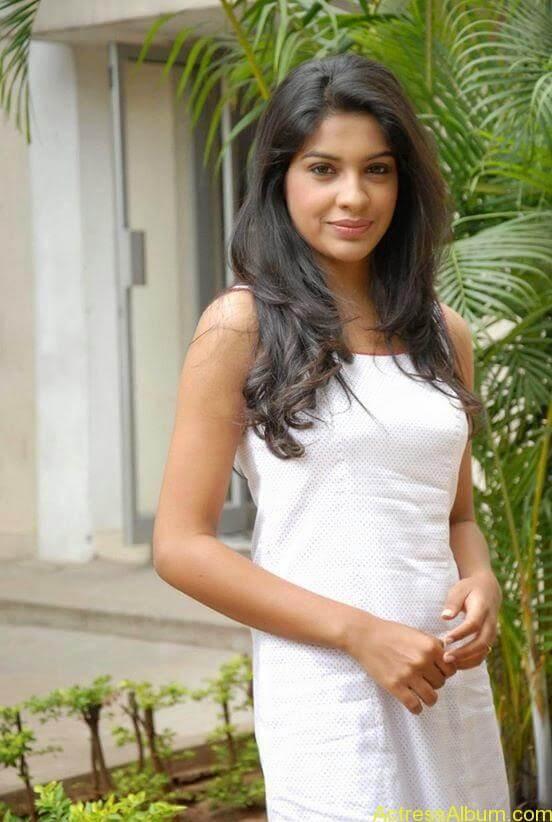 Archana Kavi Hot Unseen Pics 2