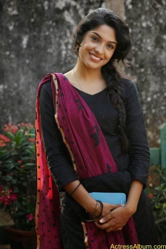 Archana Kavi Hot Unseen Pics 5