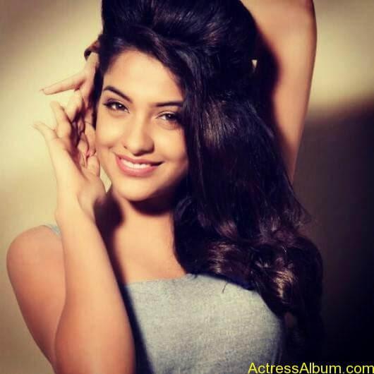 Archana Kavi Hot Unseen Pics 6