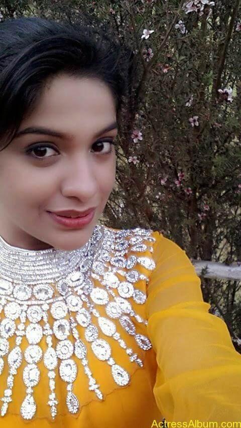 Archana Kavi Hot Unseen Pics 9