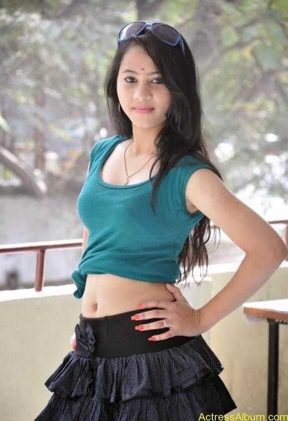 Asha latest stills (1)