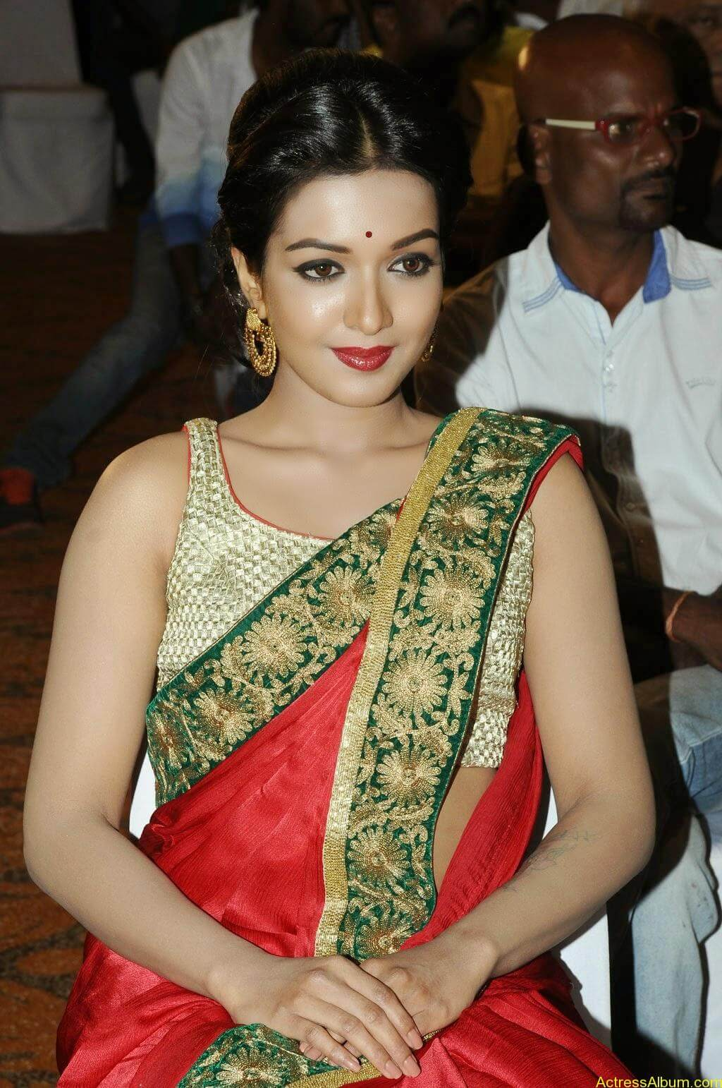 Catherine tresa latest hot stills (9)