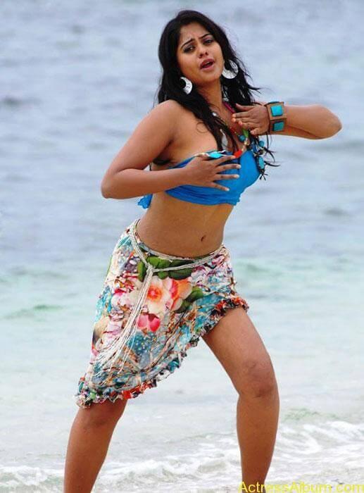 hot-beach-babes-6386394f