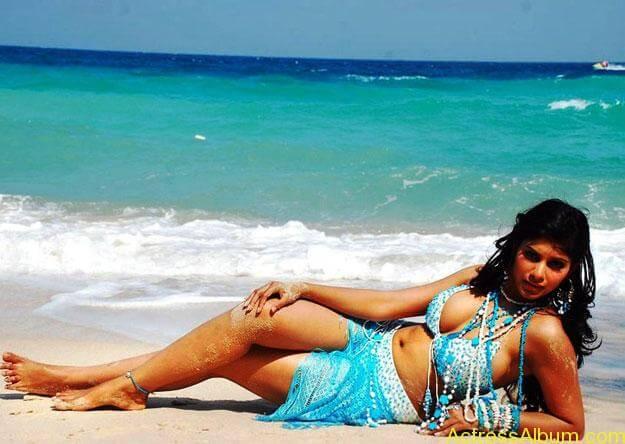 hot-beach-babes-b0215ae1
