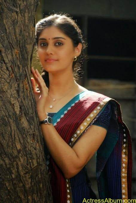 Ivan vera maathiri movie heroin surabhi stills (3)