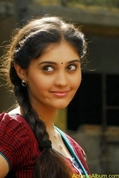 Ivan vera maathiri movie heroin surabhi stills (4)