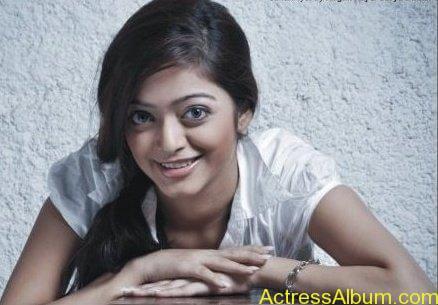 Janani iyer hot stills (6)