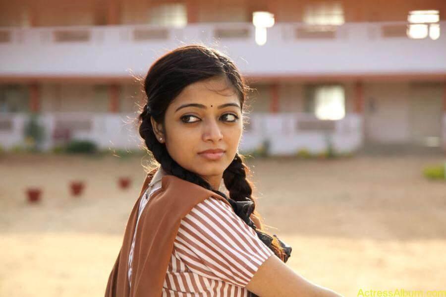 Janani iyer hot stills (8)