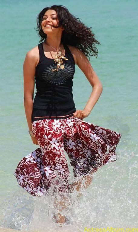 Kajal agarwal swimsuit pics 3