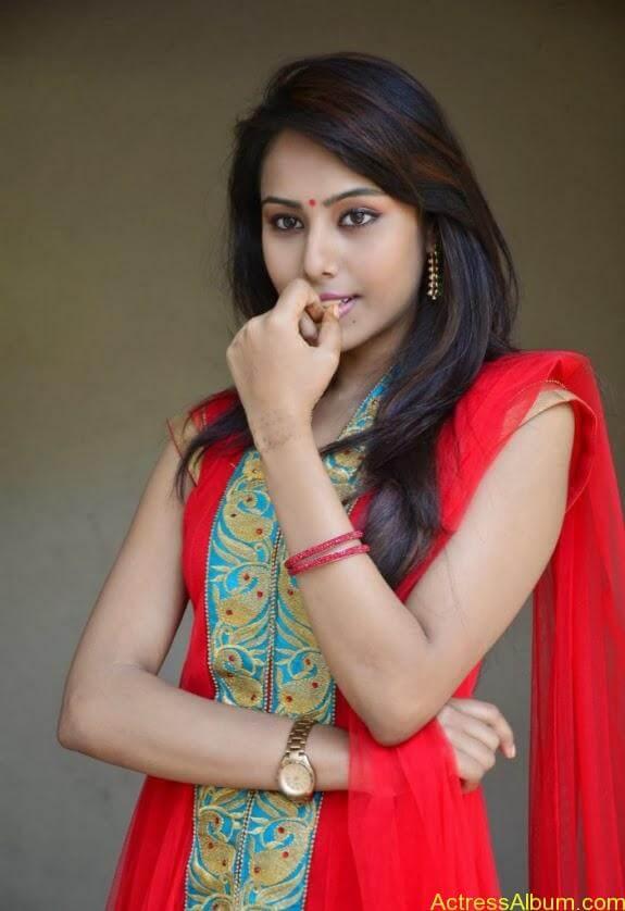 khenishna chandran latest hot photos (2)