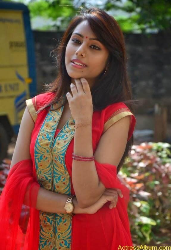khenishna chandran latest hot photos (4)