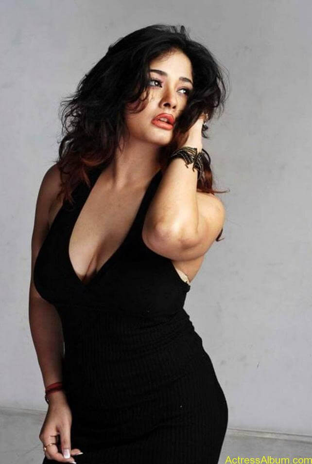 Kiran Rathode Unseen Hot Photoshoot in Black Dress (10)