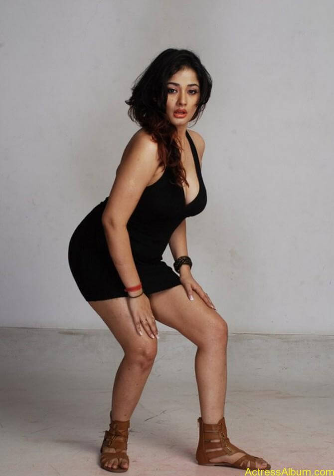 Kiran Rathode Unseen Hot Photoshoot in Black Dress (2)