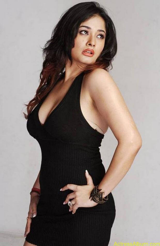 Kiran Rathode Unseen Hot Photoshoot in Black Dress (6)