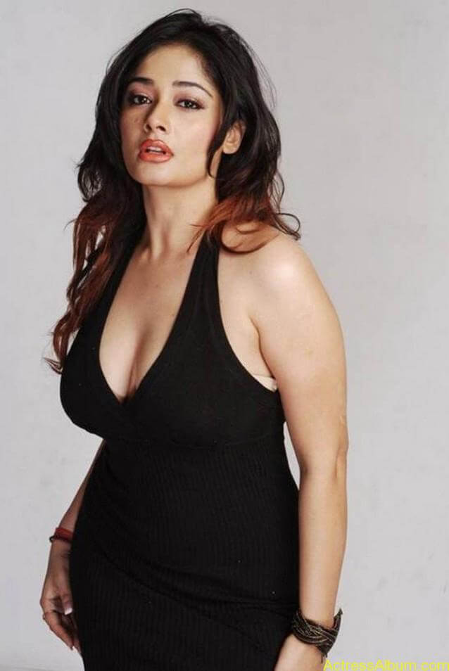 Kiran Rathode Unseen Hot Photoshoot in Black Dress (7)