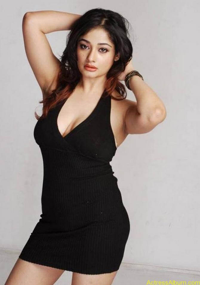 Kiran Rathode Unseen Hot Photoshoot in Black Dress (8)
