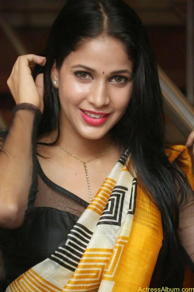 Lavanya Tripathi (4)