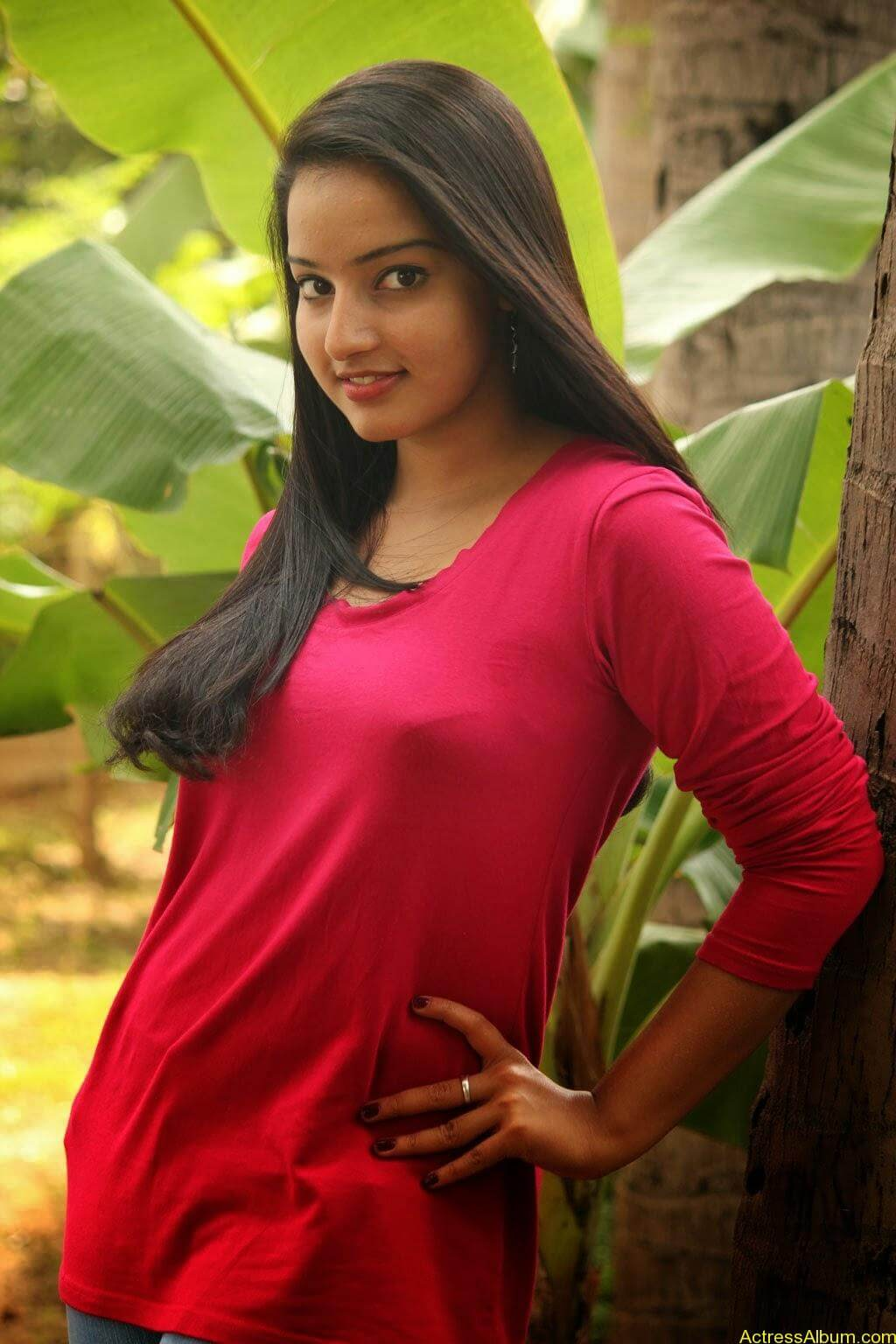 Malavika Menon hot stills (1)