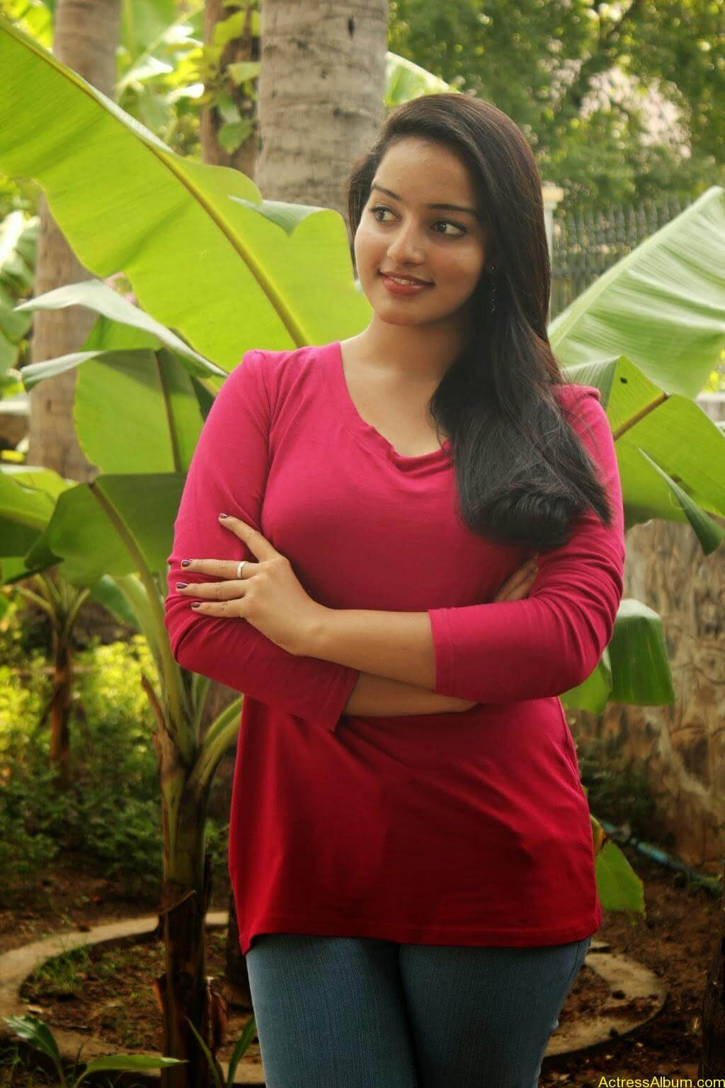 Malavika Menon hot stills (3)