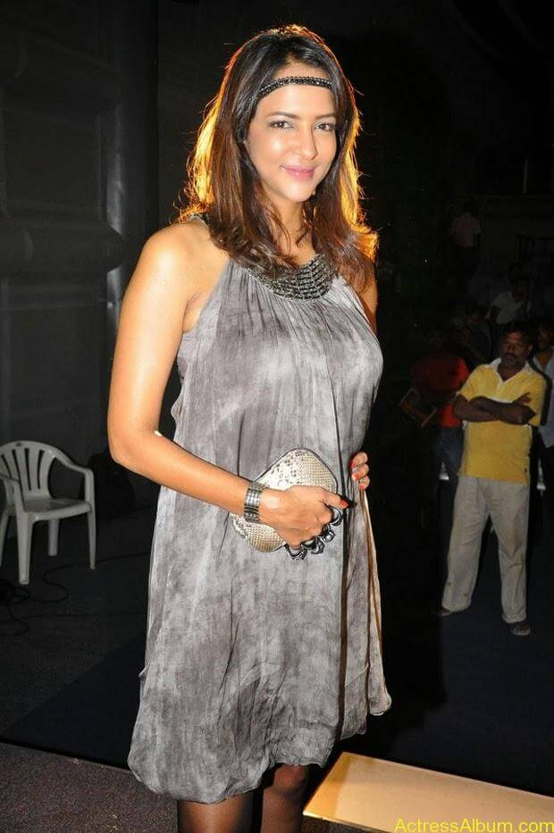 Manchu Lakshmi Latest Hot Photos (15)
