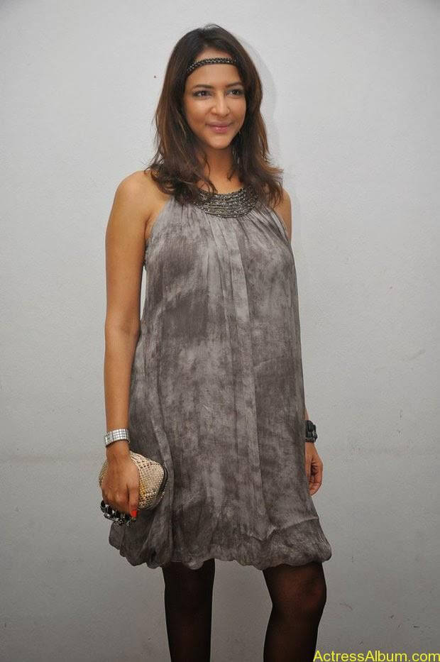 Manchu Lakshmi Latest Hot Photos (17)