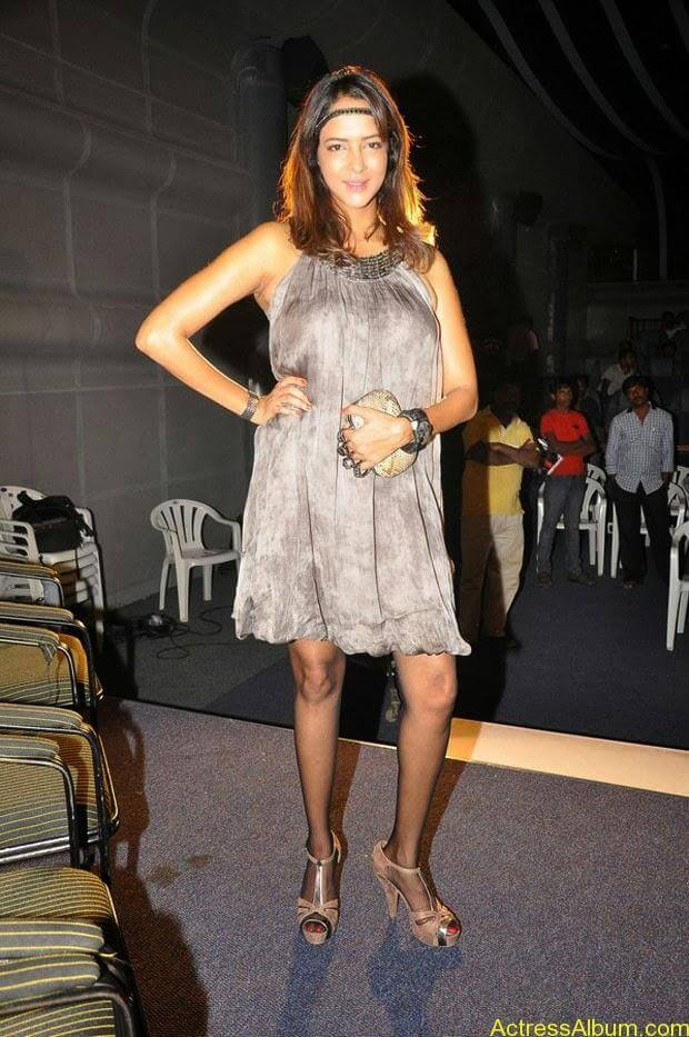 Manchu Lakshmi Latest Hot Photos (9)