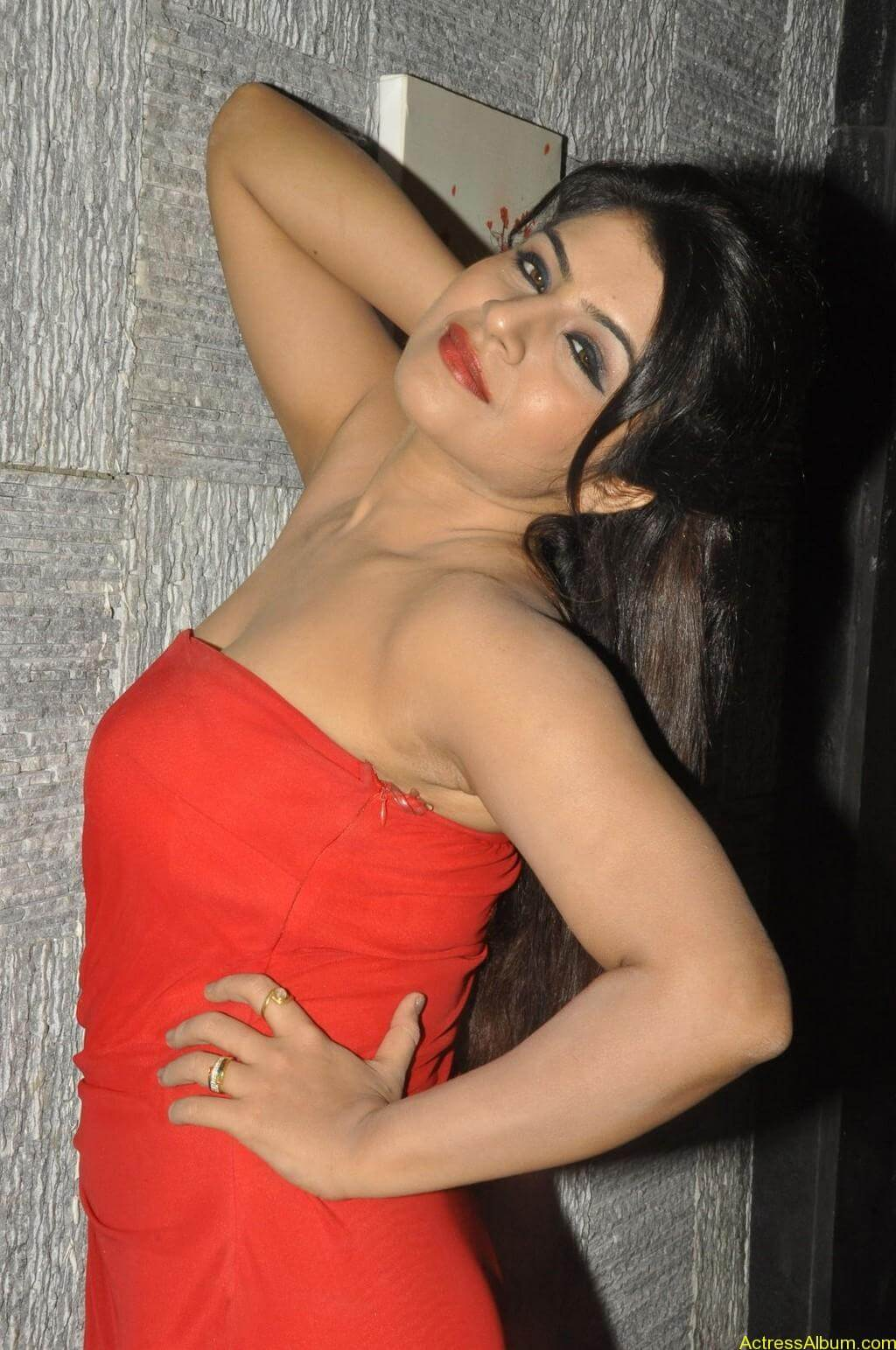 Manisha hot photos stills (2)