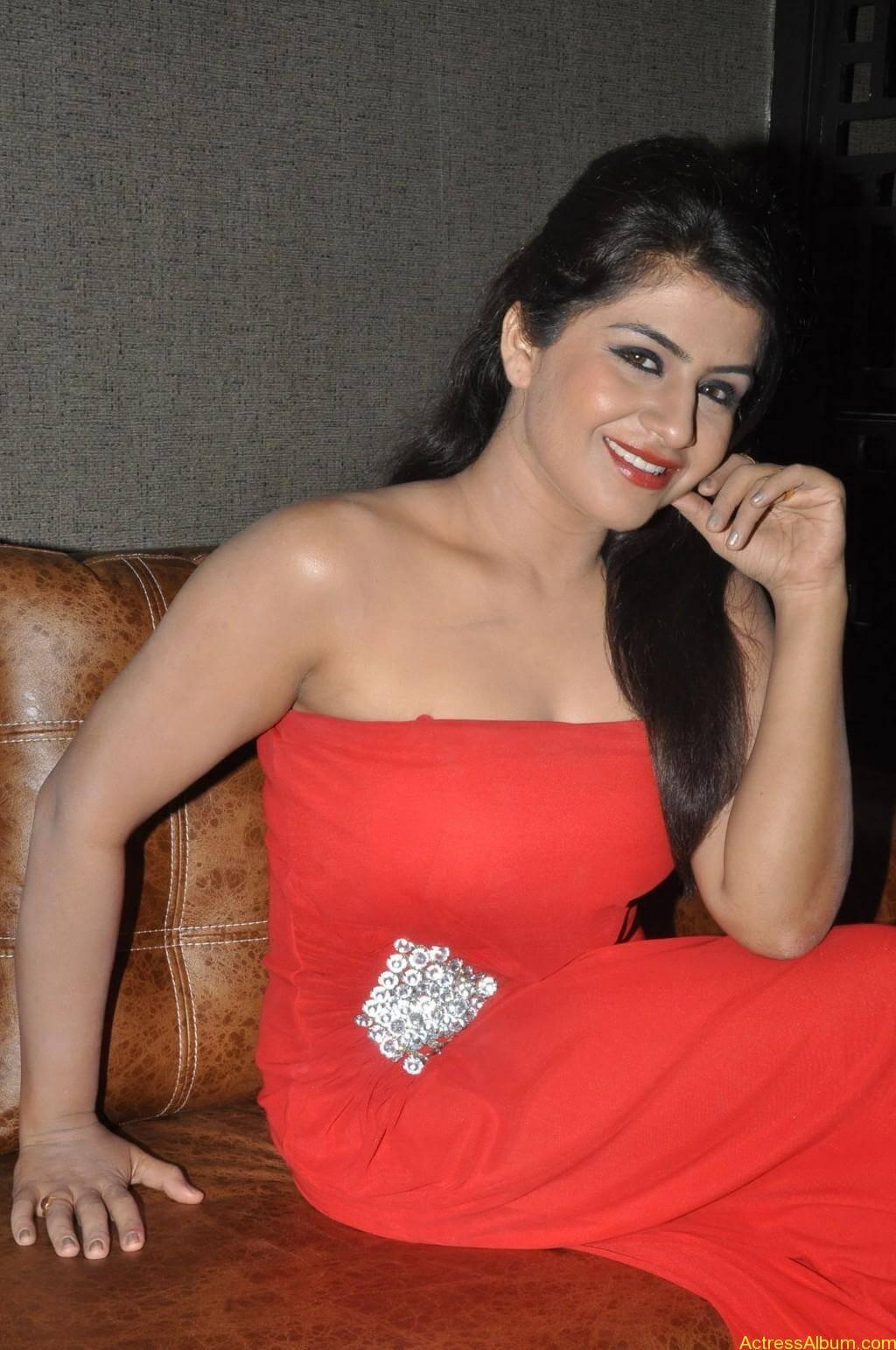 Manisha hot photos stills (9)