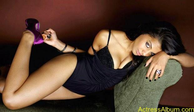 Mugdha Godse top 10 hot and spicy photo shoot (2)