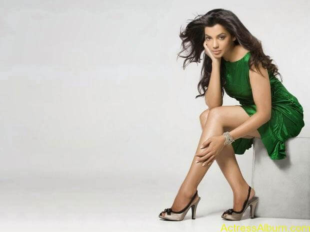 Mugdha Godse top 10 hot and spicy photo shoot (3)