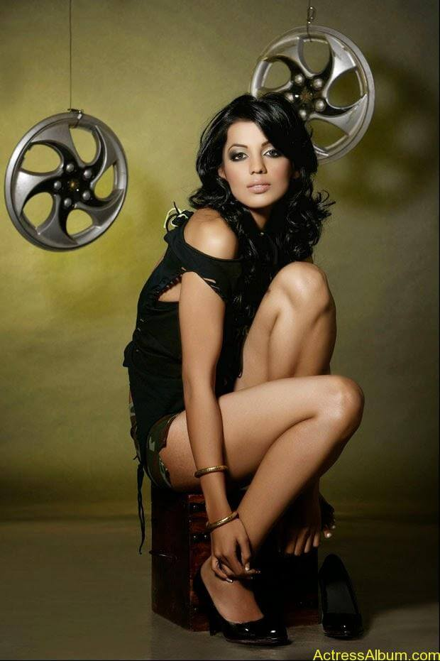 Mugdha Godse top 10 hot and spicy photo shoot (4)
