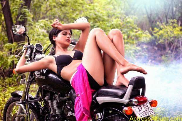 Naveena hot and spicy  Ever seen hot (1)