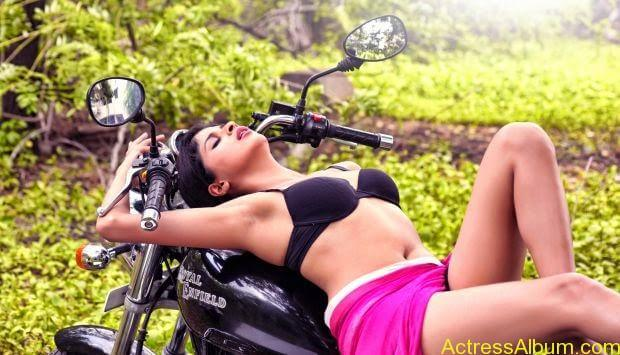 Naveena hot and spicy  Ever seen hot (7)
