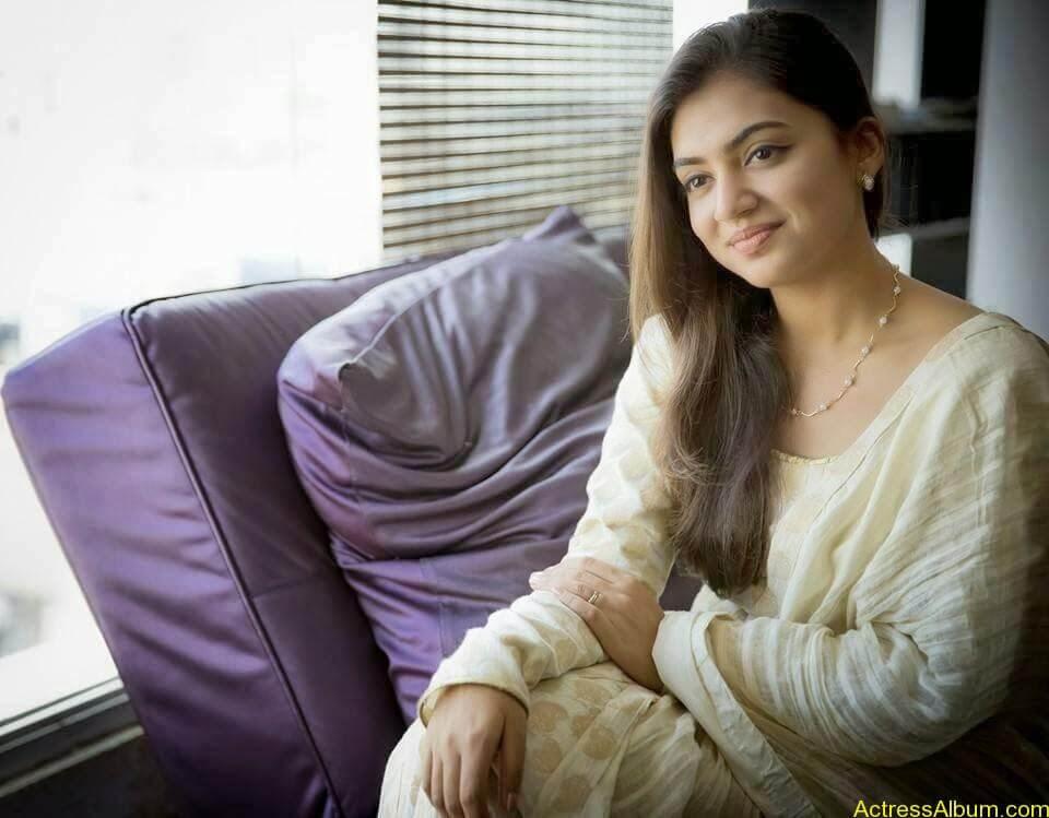 Nazriya cute hot photos (4)