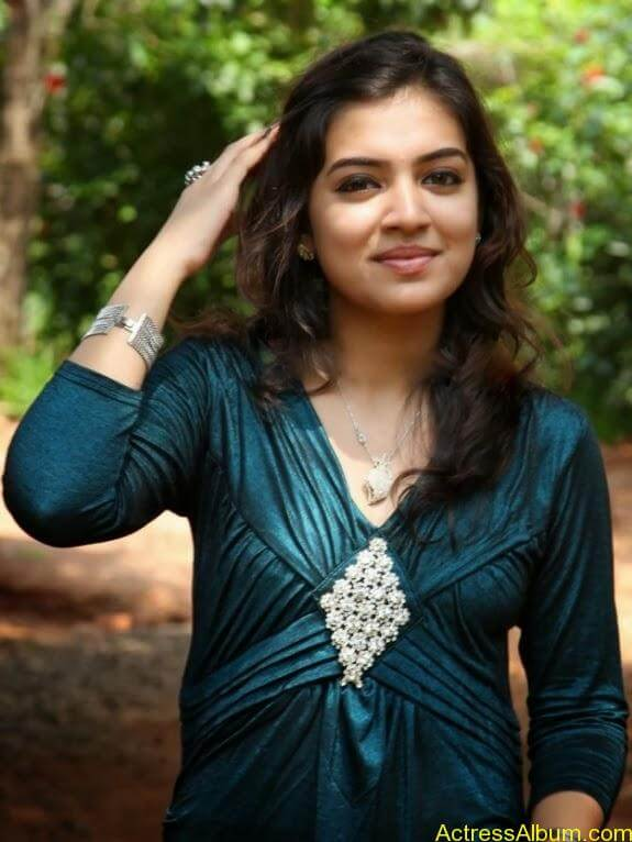 Nazriya nazim latest hot photos stills (10)