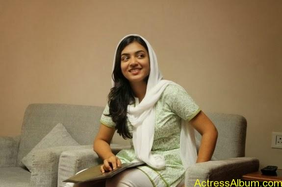Nazriya nazim latest hot photos stills (17)