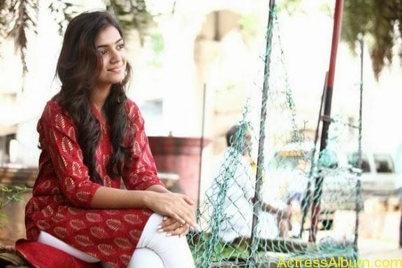 Nazriya nazim latest hot photos stills (20)