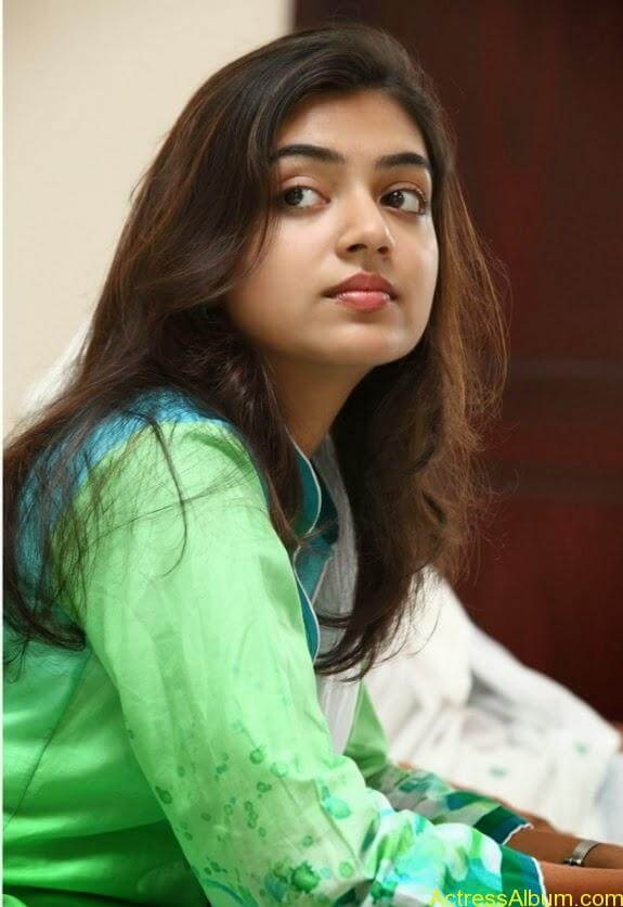 Nazriya nazim latest hot photos stills (5)