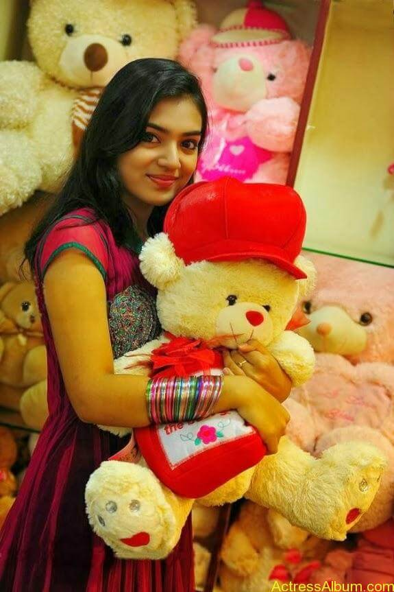 Nazriya nazim latest hot photos stills (9)