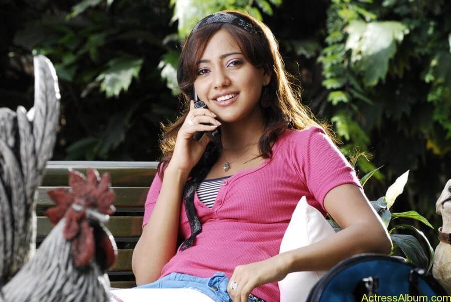 Neha Sharma hot stills (3)