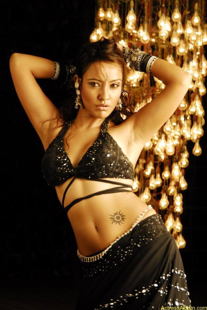 Neha Sharma hot stills (9)