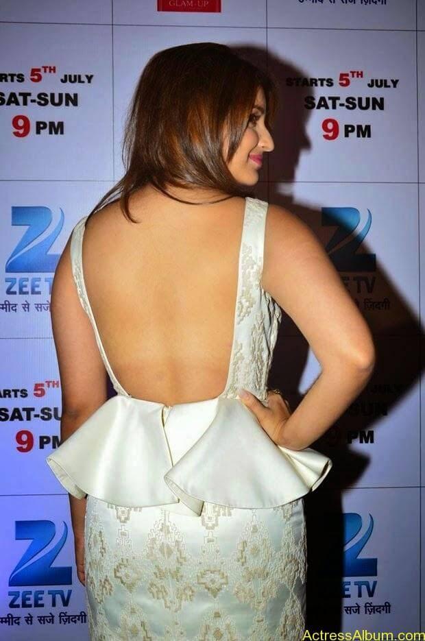 Parineeti Chopra latest hot photos (10)