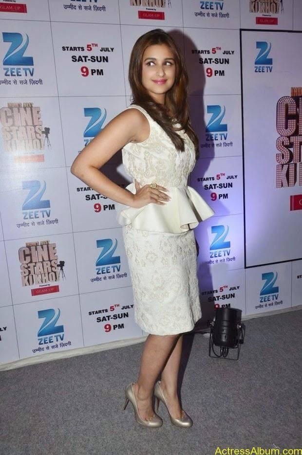 Parineeti Chopra latest hot photos (3)