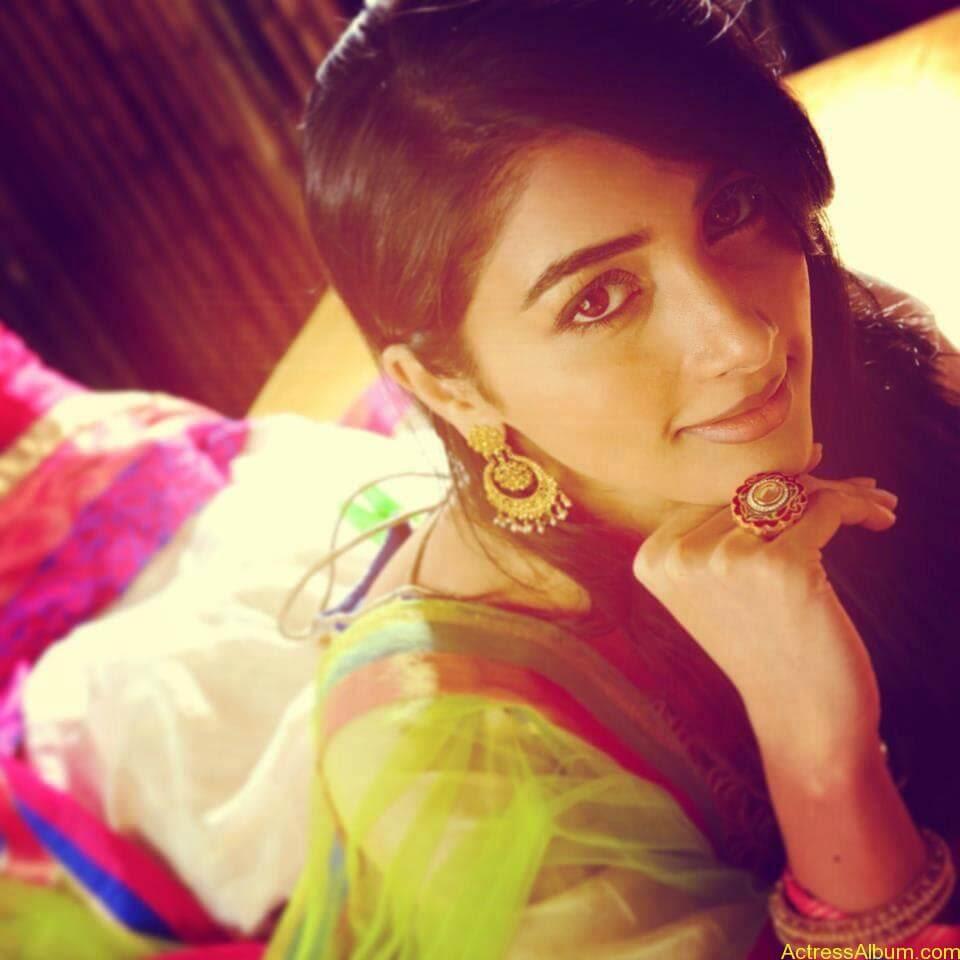 Pooja Hegde Hot FACEBOOK Pics1