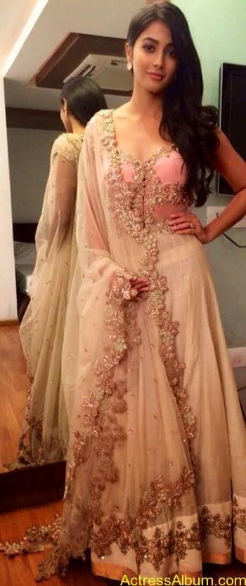 Pooja Hegde Hot FACEBOOK Pics13